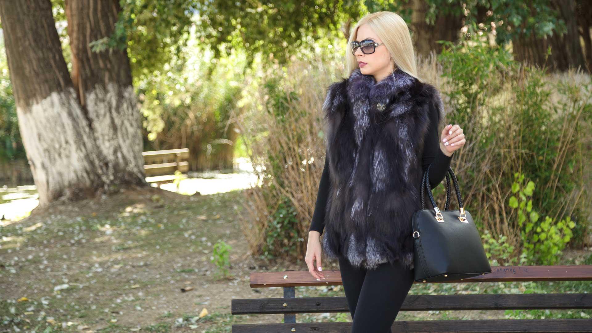 Zisis Furs